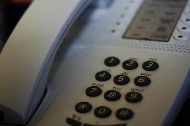 El teléfono, el medio preferido por el 77% de los usuarios para contactar con las empresas