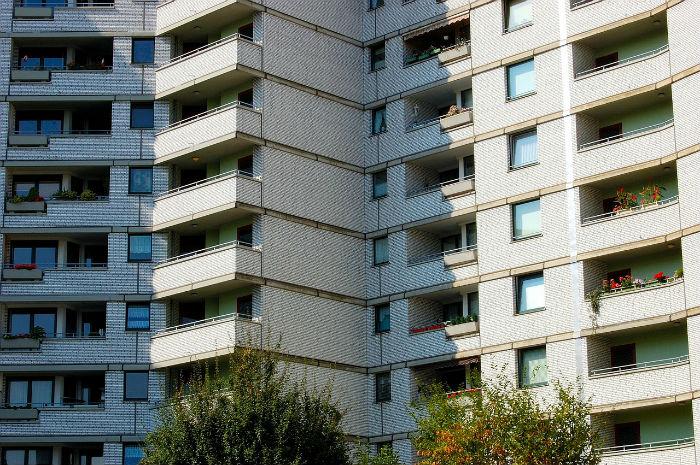 Remica facilita que las comunidades de propietarios puedan financiar la renovación de sus instalaciones