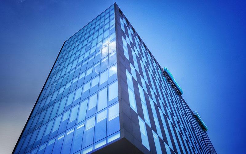 ¡Ahorrar en oficinas es posible gracias a la eficiencia energética!